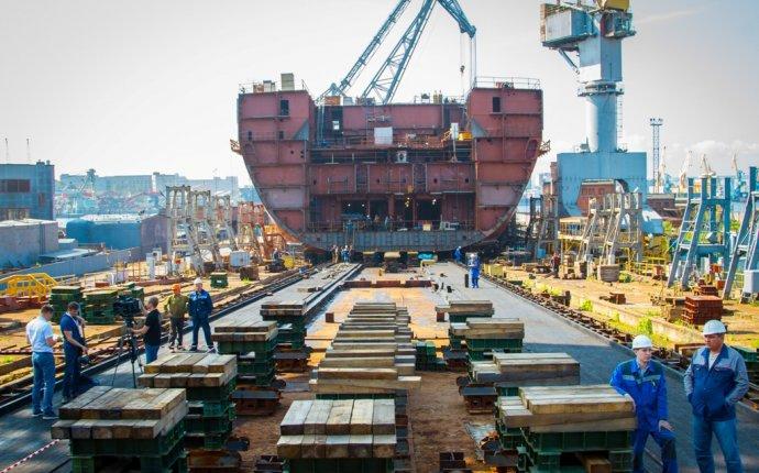Балтийский завод приступил к строительству атомного ледокола Урал